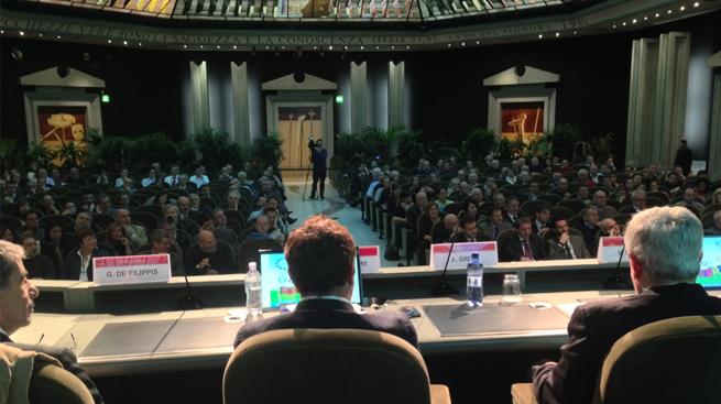 SILEONI AL XX° CONGRESSO PROVINCIALE FABI DI BERGAMO - OLTRE 5OO DIRIGENTI E ATTIVISTI SINDACALI PRESENTI